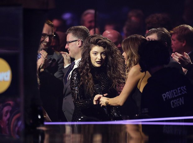 Lorde at the Brit Awards 2014