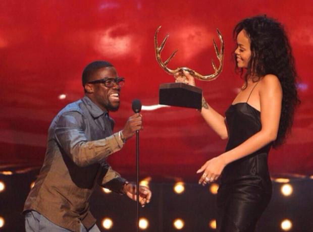 Rihanna Kevin Hart Most desirable woman award