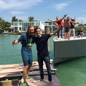 Martin Garrix, David Guetta, Tiesto crash boat