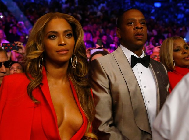 Beyonce & Jay-Z at the Floyd Mayweather Jr. v Mann