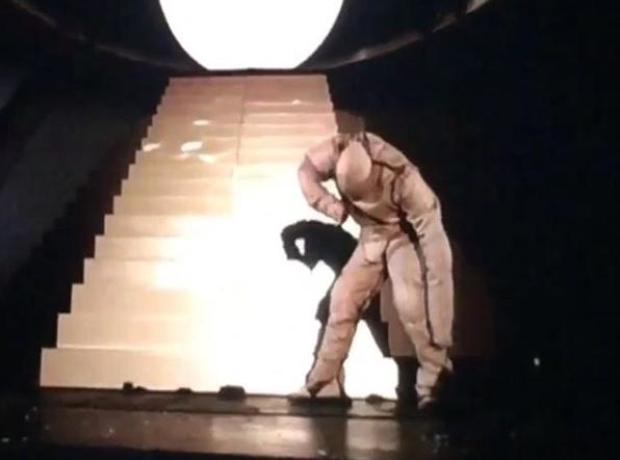 Kanye West 808s Heartbreaks Robot