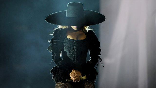 celeb news] beyoncé's hat sells for 27k - celebria - atrl