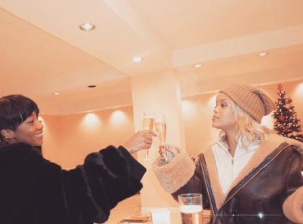 Rihanna debuts her new blonde hair with best frien